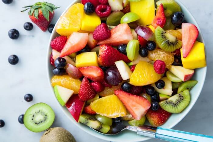 Fruit cup or whole fresh fruit image